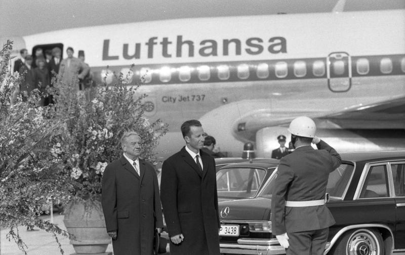 File:Bundesarchiv B 145 Bild-F033775-0010, München, Staatsbesuch König von Belgien.jpg
