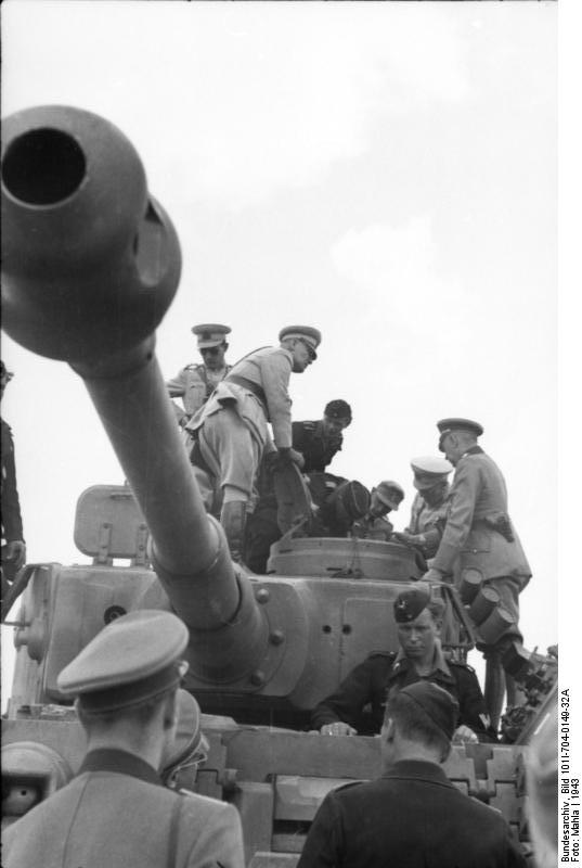 Tiger of schwere Panzer-Abteilung 503 inspected by Turkish officials