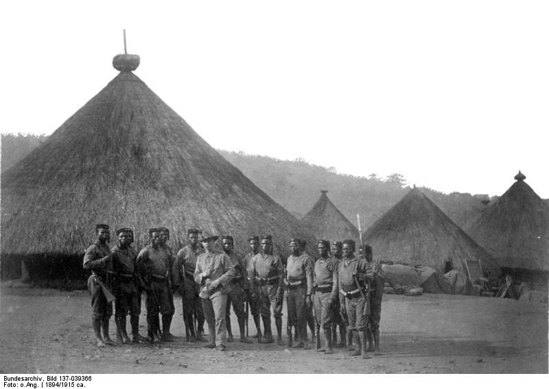 File:Bundesarchiv Bild 137-039366, Kamerun, Schutztruppenabteilung.jpg