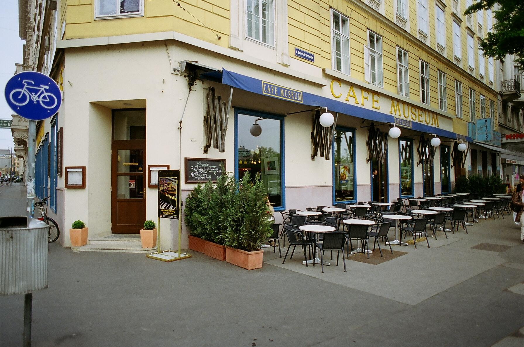 http://upload.wikimedia.org/wikipedia/commons/f/f8/Cafe-Museum-Vienna-04-07.JPG