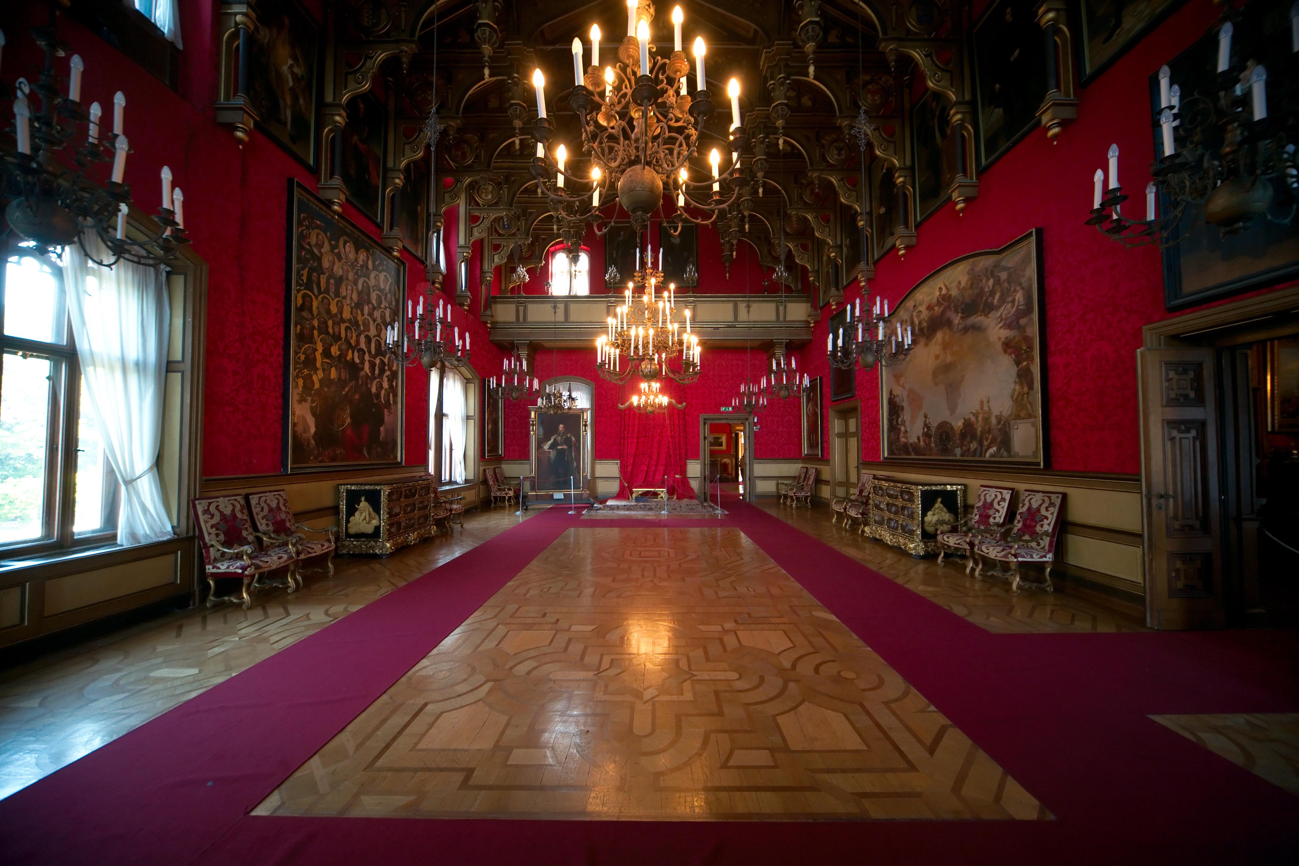 File castello miramare interior 2009 wikimedia for Foto di interni