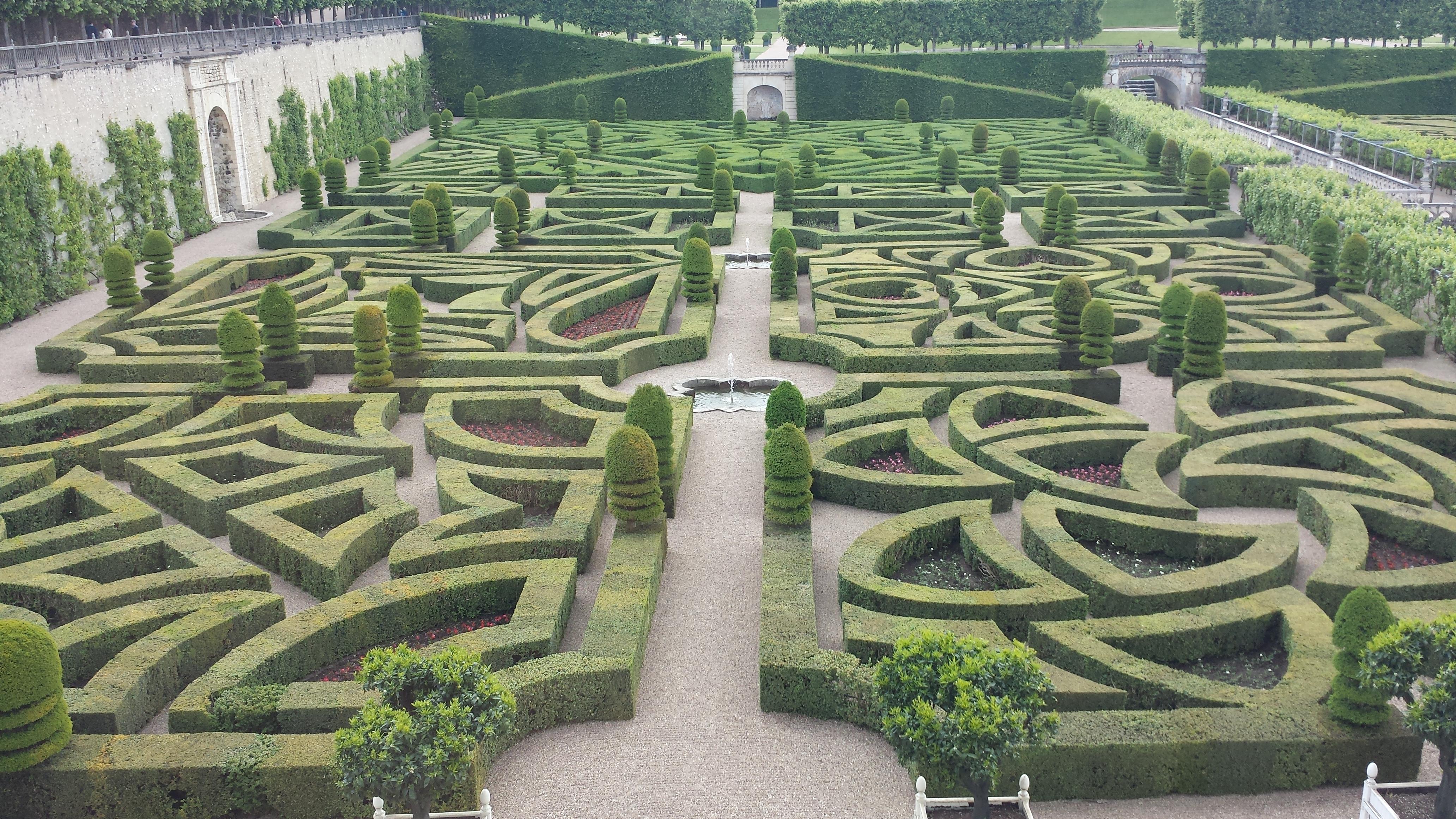 File chateau de villandry jardins d 39 wikimedia for Jardin villandry