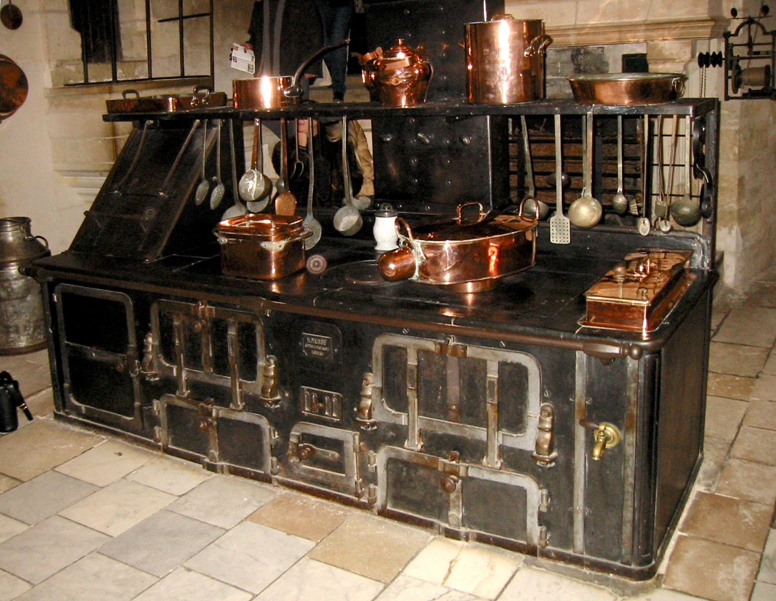 file chenonceau kitchen wikimedia commons. Black Bedroom Furniture Sets. Home Design Ideas