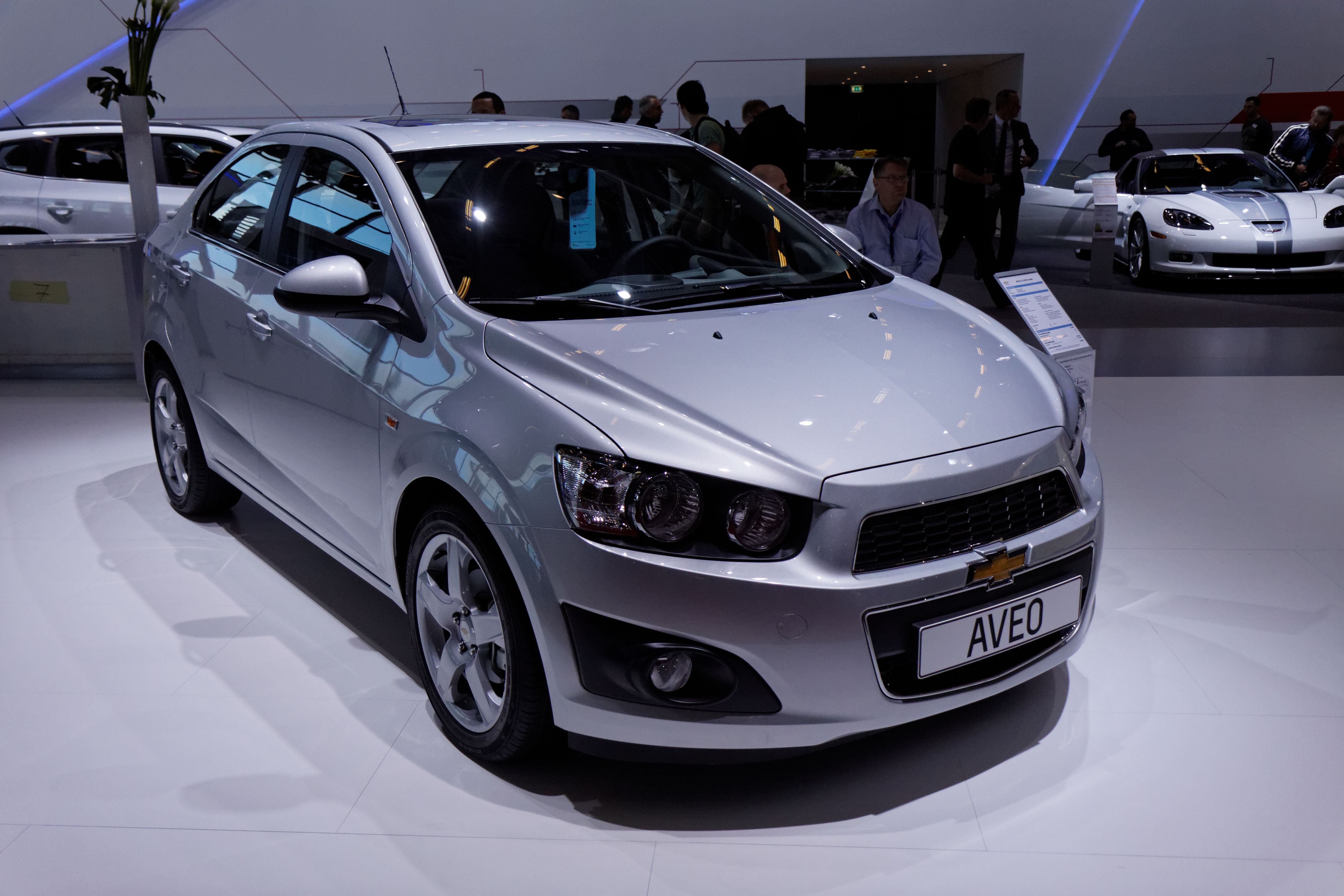file chevrolet aveo mondial de l 39 automobile de paris 2012 wikimedia commons. Black Bedroom Furniture Sets. Home Design Ideas