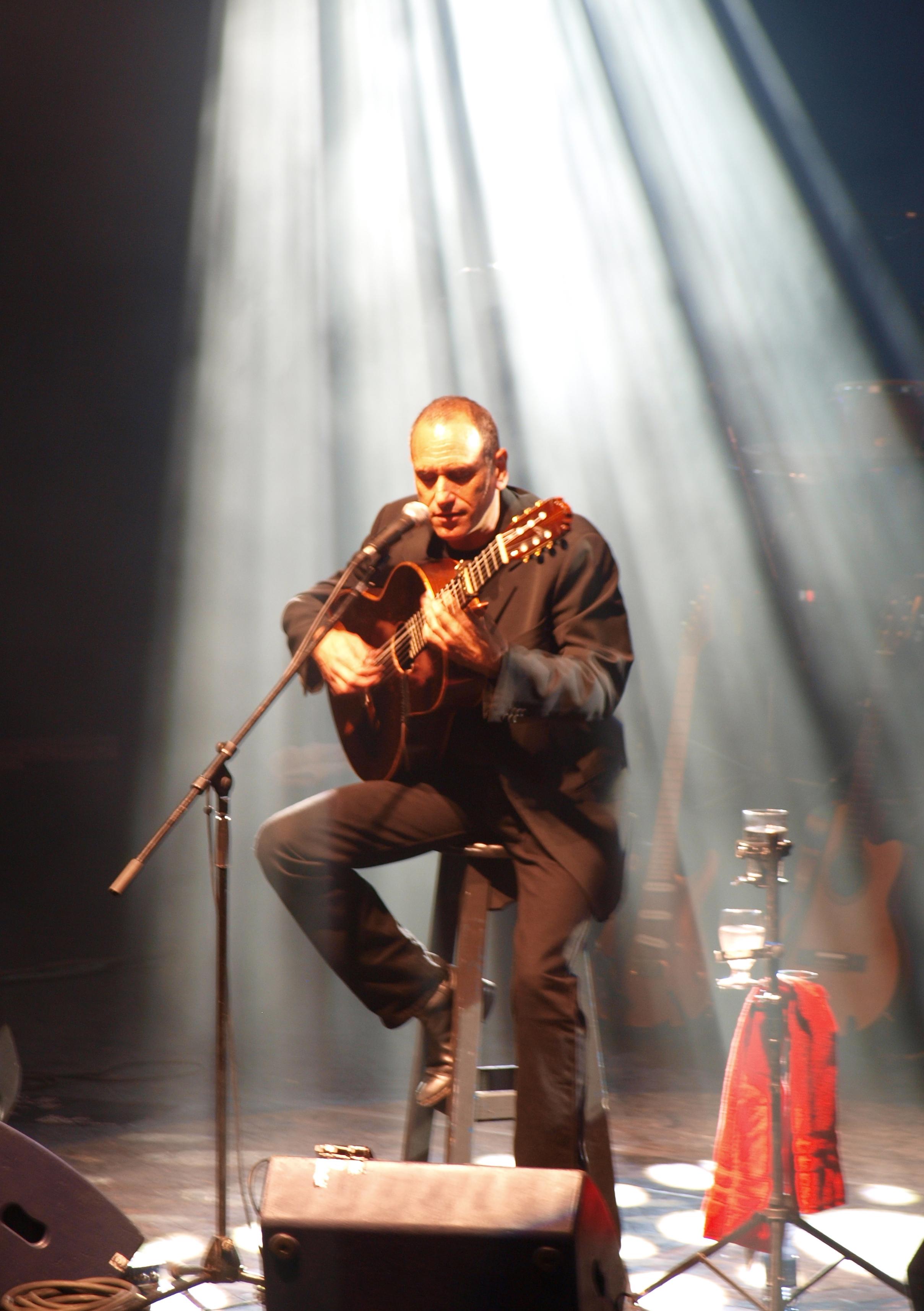 David Broza en vivo en el 2009.
