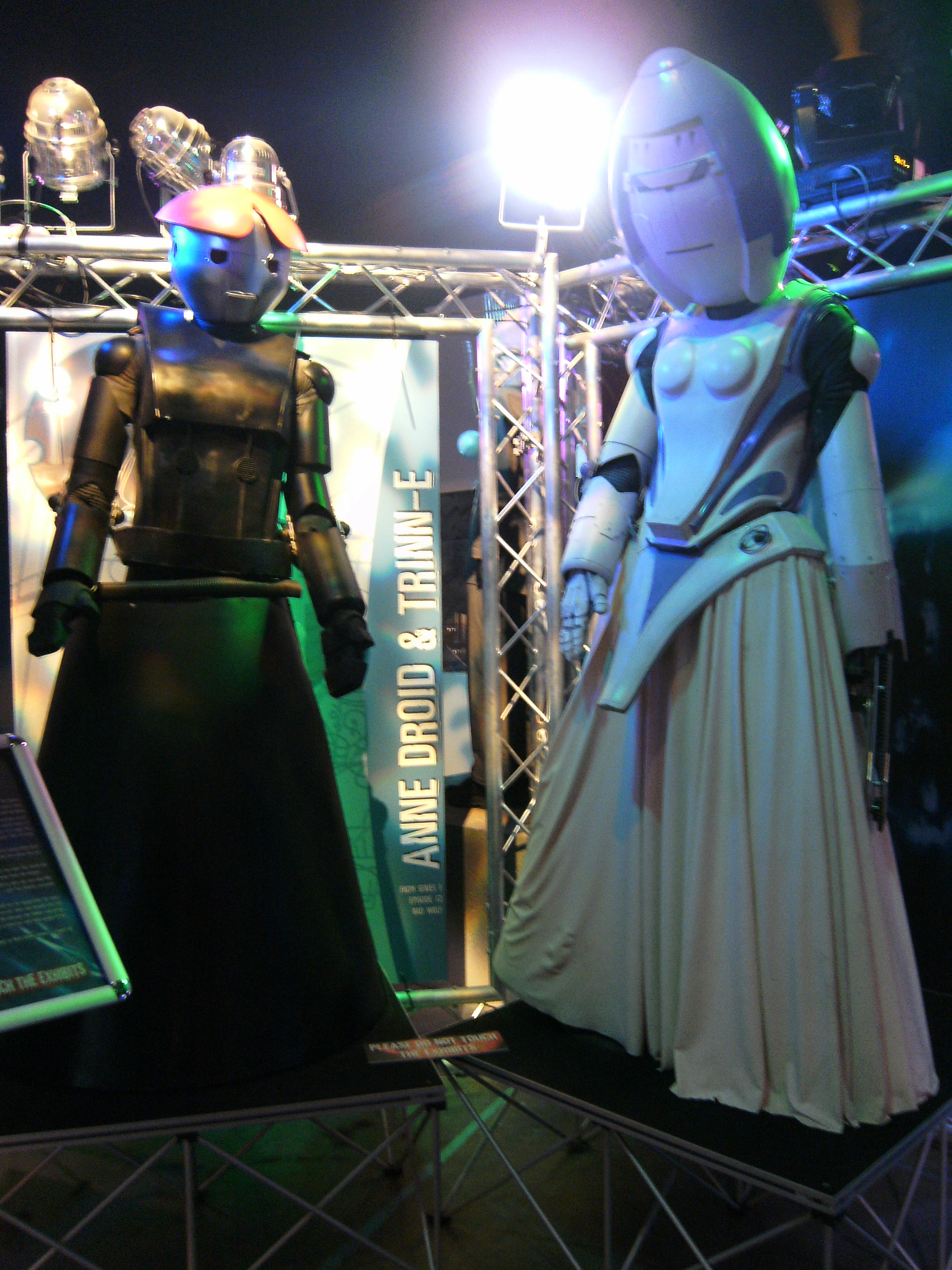 File:Doctor Who Exhibition (3568915919).jpg - Wikimedia ...  File:Doctor Who...