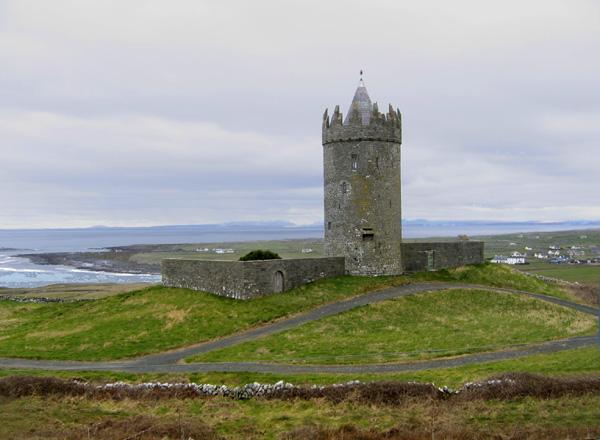Dvorci koje verovatno nikada nećete posedovati - Page 3 Doonagore_Castle