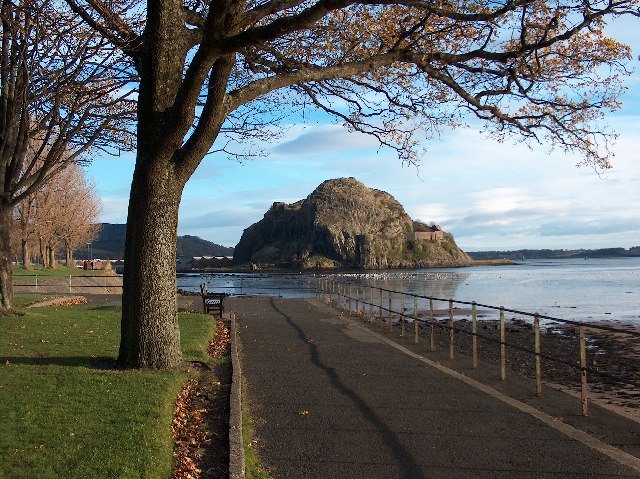 Dumbarton Rock, from Levengrove Park