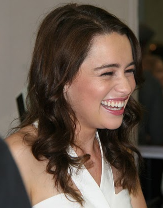 Emilia Clarke above suspicion