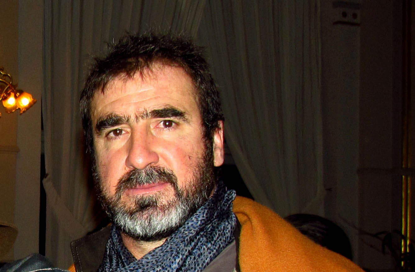 The 51-year old son of father Albert Cantona and mother Éléonore Raurich, 188 cm tall Eric Cantona in 2018 photo
