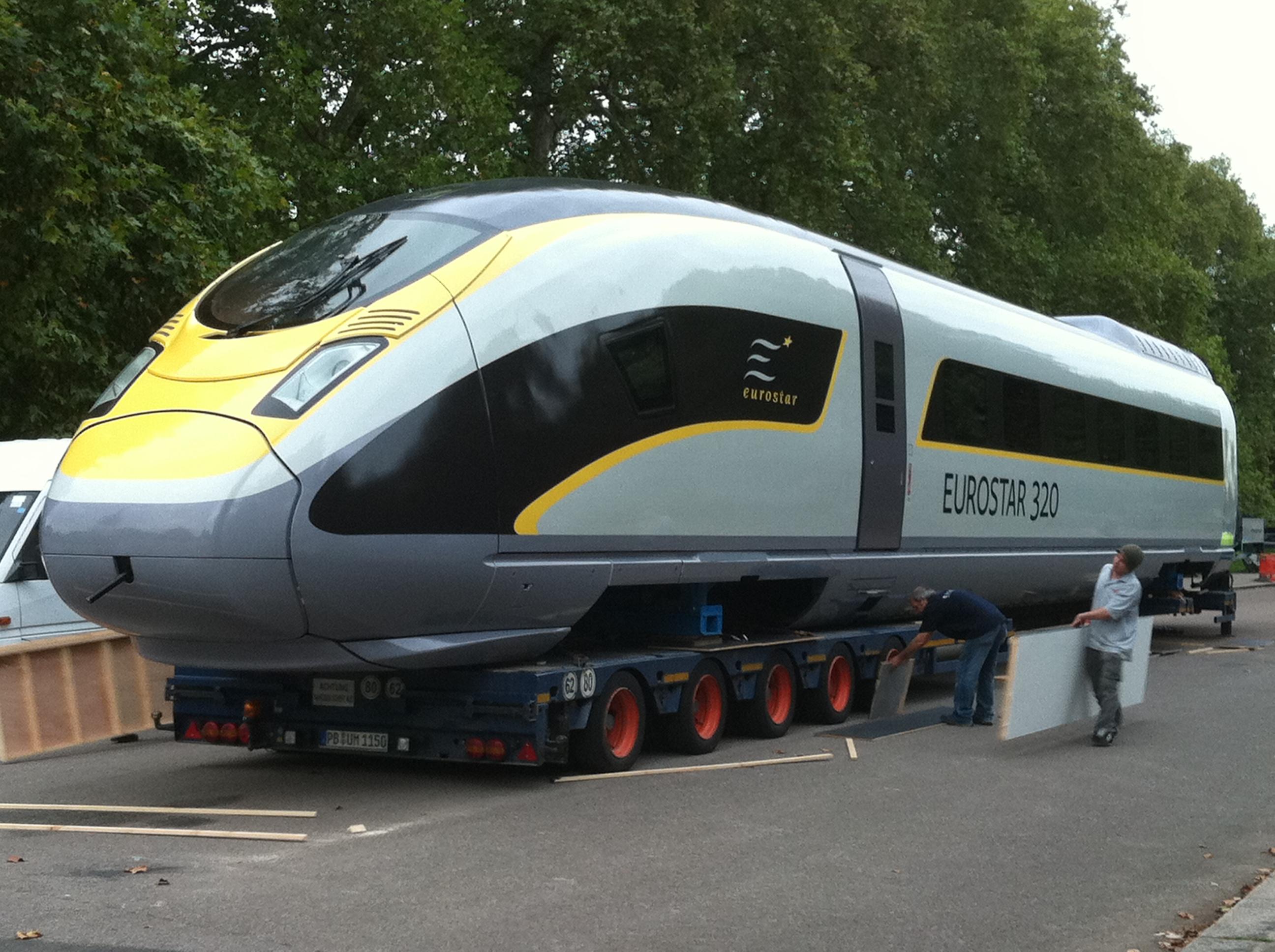 Eurostar e320 at Kensington Gardens 105 - Special livery Eurostars