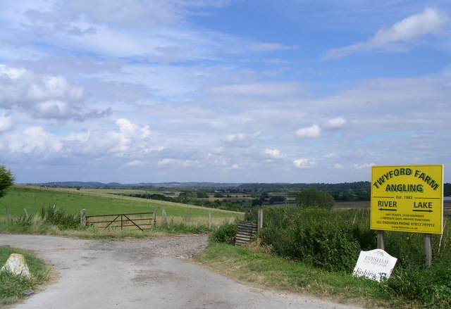 Evesham Country Park - geograph.org.uk - 525886