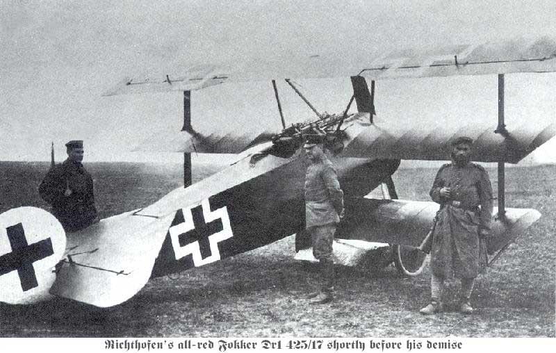 Fichier:Fokker Dr1 on the ground.jpg