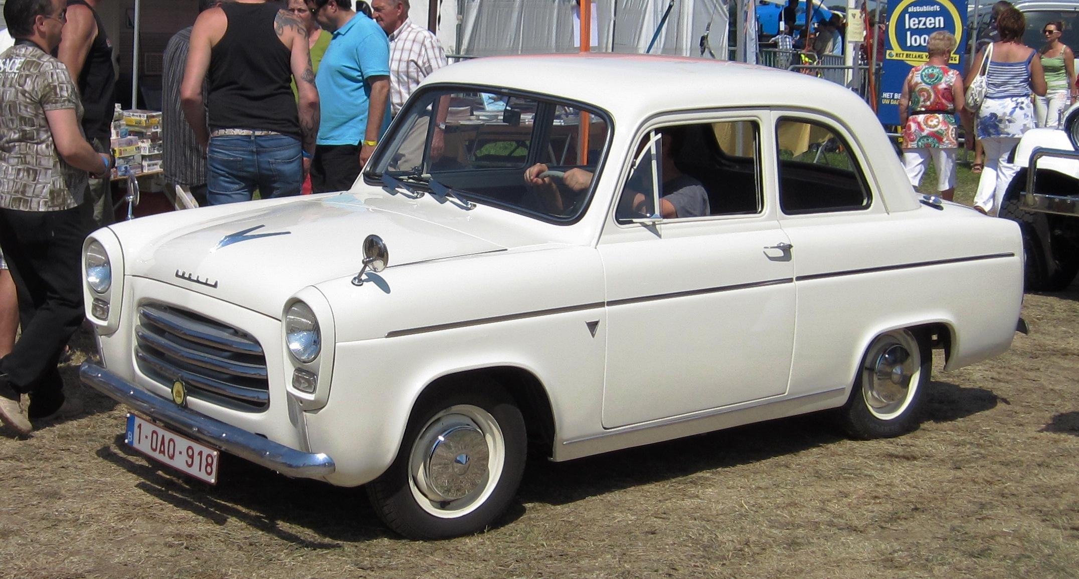 Description Ford Anglia 100E Schaffen-Diest 2012.jpg