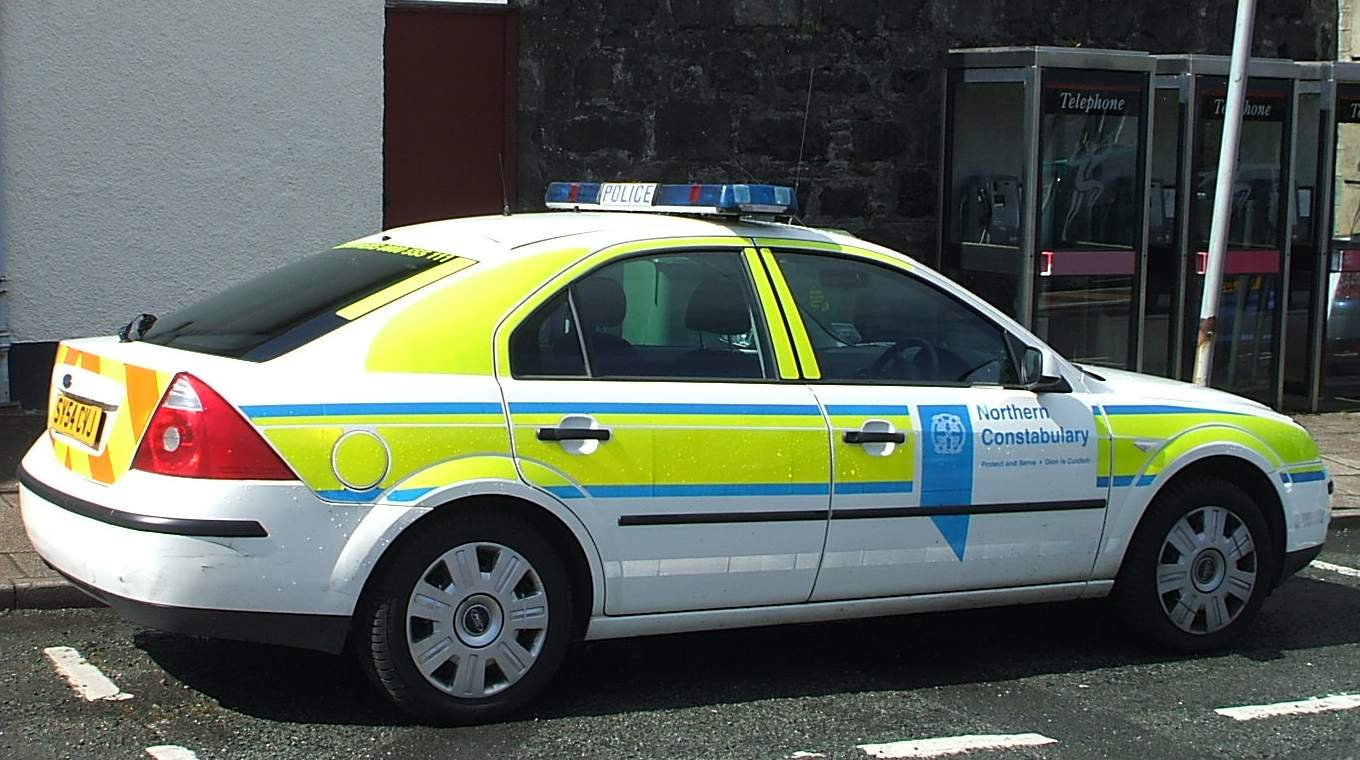file ford mondeo mk3 british police wikimedia commons. Black Bedroom Furniture Sets. Home Design Ideas
