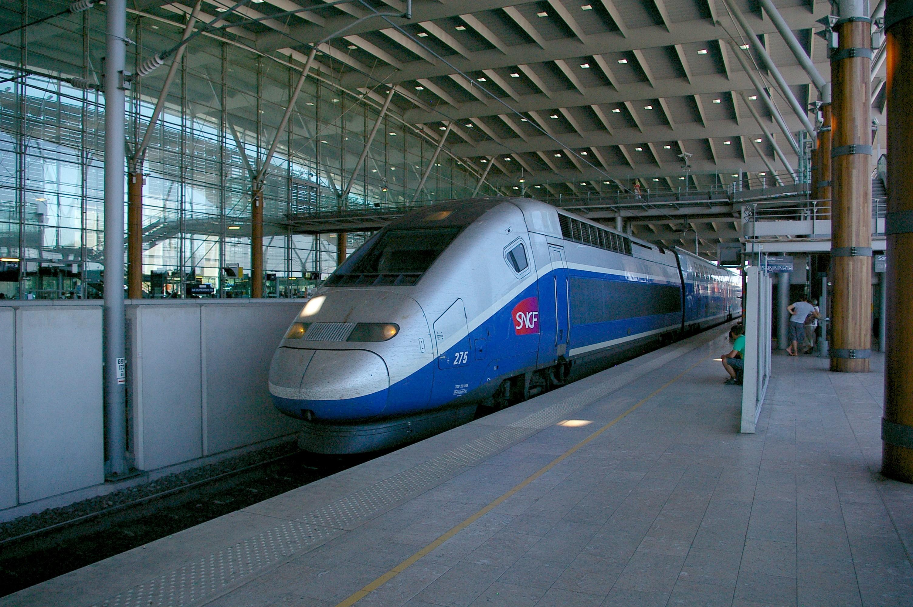 File gare aix en provence for Gare routiere salon de provence