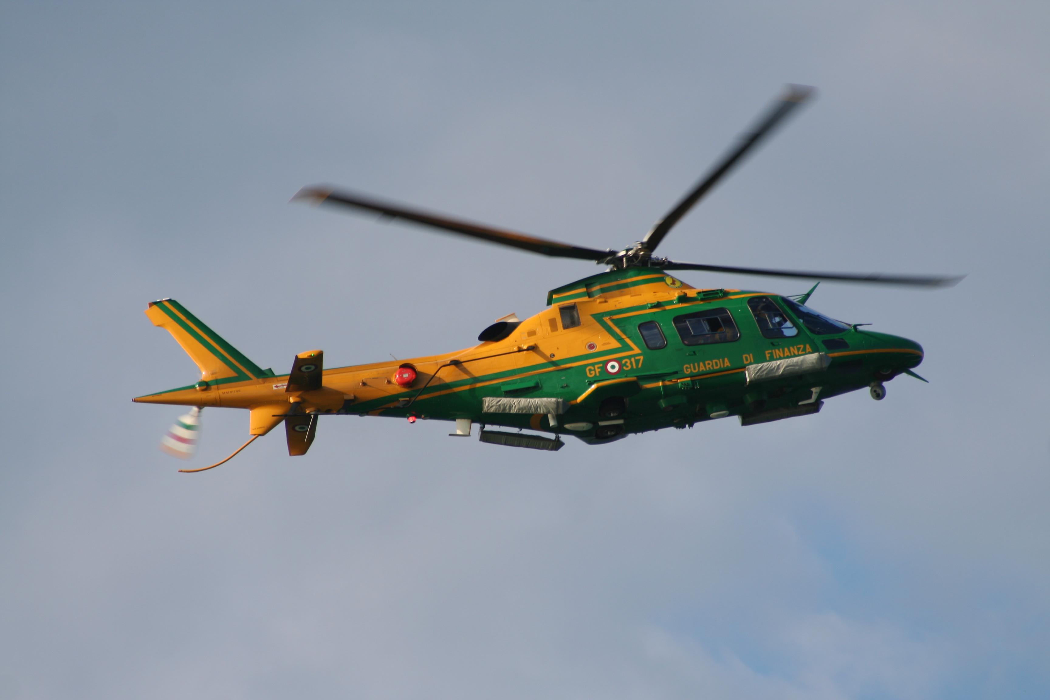 Elicottero Nh500 : Servizio aereo della guardia di finanza wikiwand