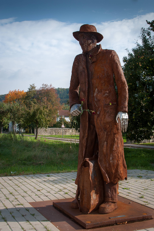 File:Georg Elser Denkmal Koenigsbronn.jpg - Wikimedia Commons: commons.wikimedia.org/wiki/file:georg_elser_denkmal_koenigsbronn.jpg