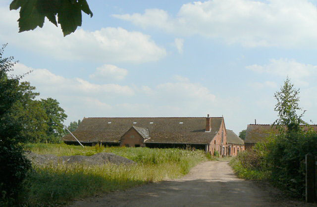 Home Farm, Holme Pierrepont - geograph.org.uk - 1385934