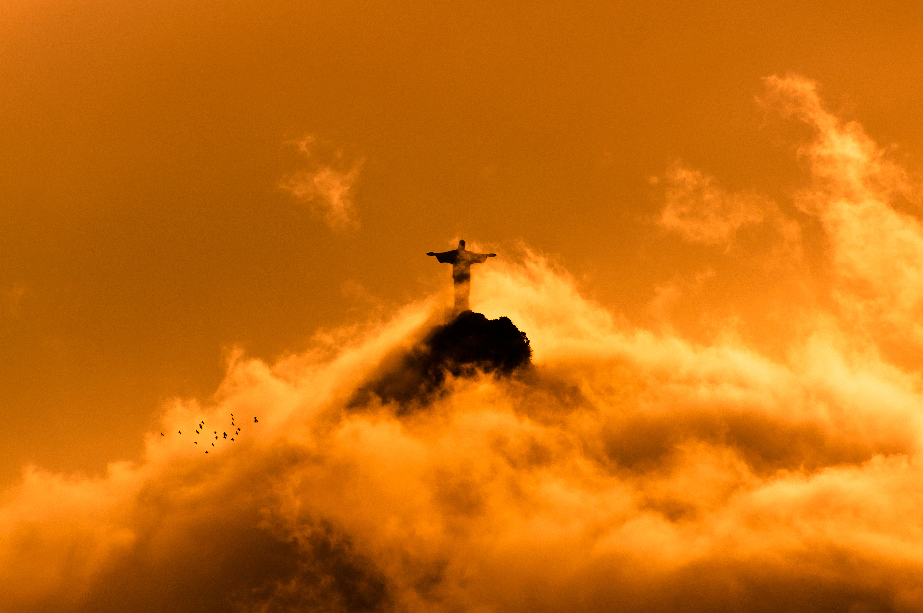 File:Jesus in Clouds by Sunset 2.jpg - Wikimedia Commons