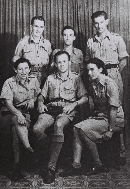 קובץ:Jewish parachutists of Yishuv.jpeg