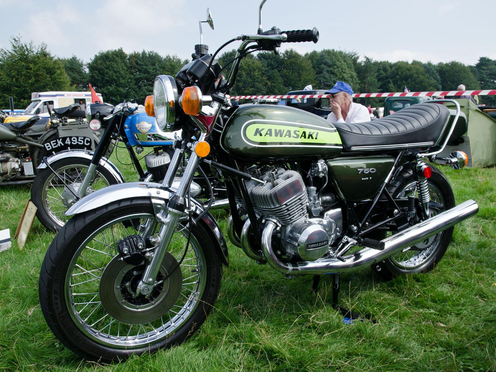 Kawasaki_H2_Mach_IV_(1974)_-_9842534146.