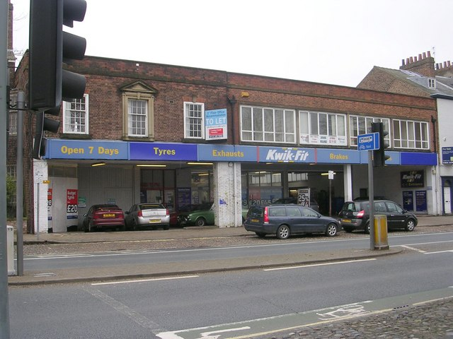 File:Kwik Fit - The Mount - geograph.org.uk - 1729031.jpg