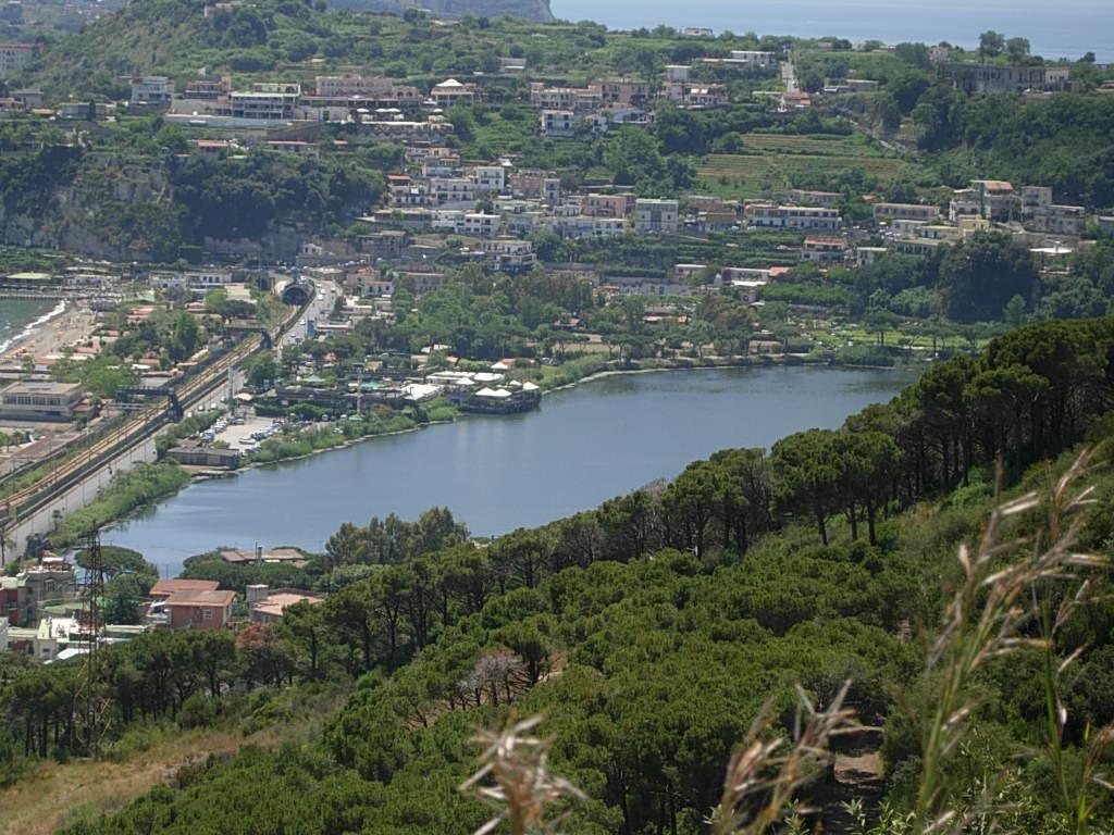 lago di lucrino wikipedia ForLago Lucrino