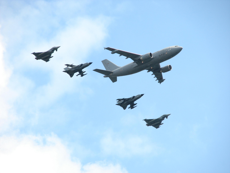 Luftwaffe_Formation_ILA_2014.jpg