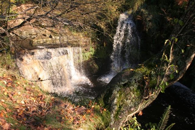 Lumb Hole Waterfalls - geograph.org.uk - 71218
