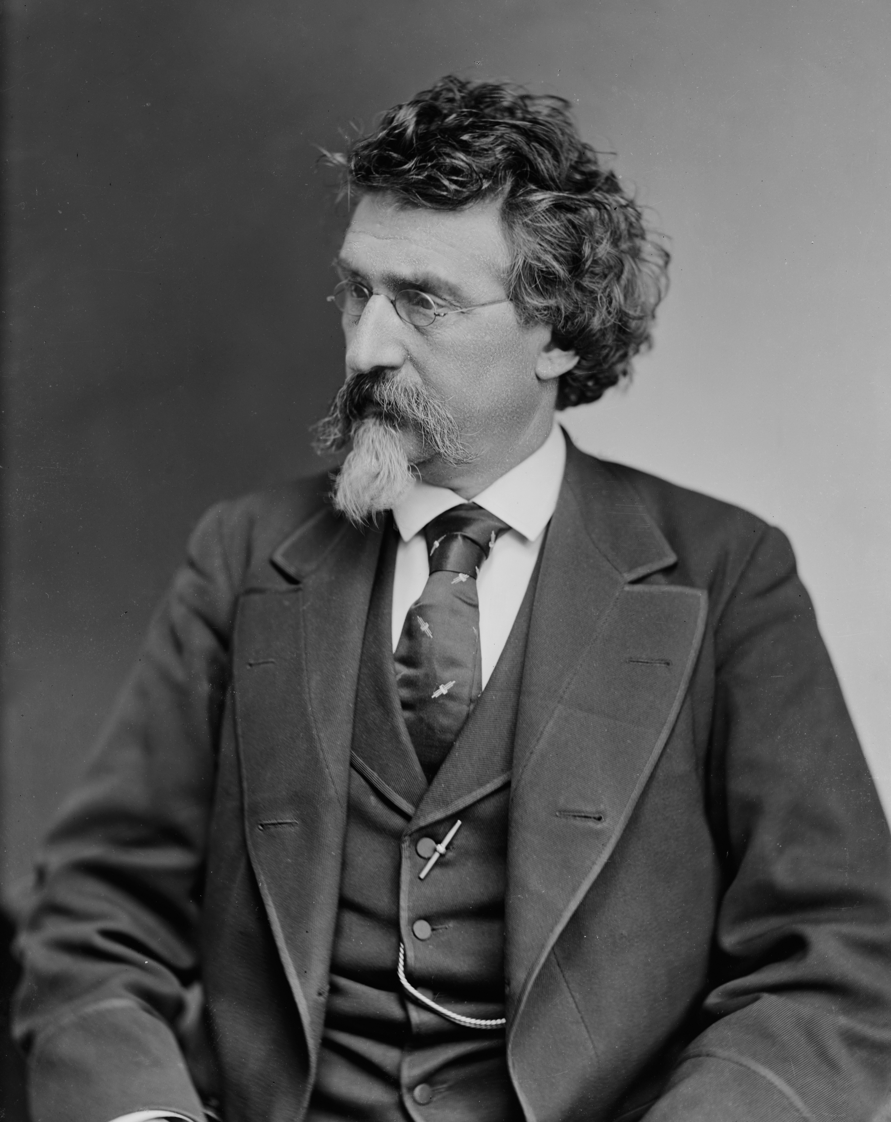 mathew brady and the photographic documentation Documentary photography usually refers to a popular form of photography used to chronicle events or environments both one early documentation project was the french missions heliographiques organized by the official commission des monuments most notably mathew brady and.