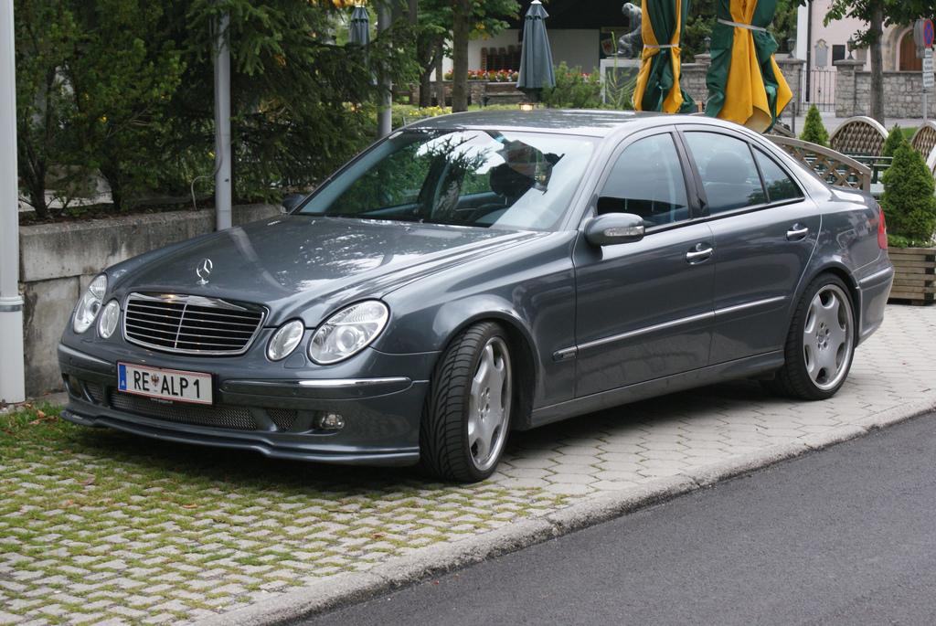 File Mercedes Benz E Class Carlsson Jpg Wikimedia Commons