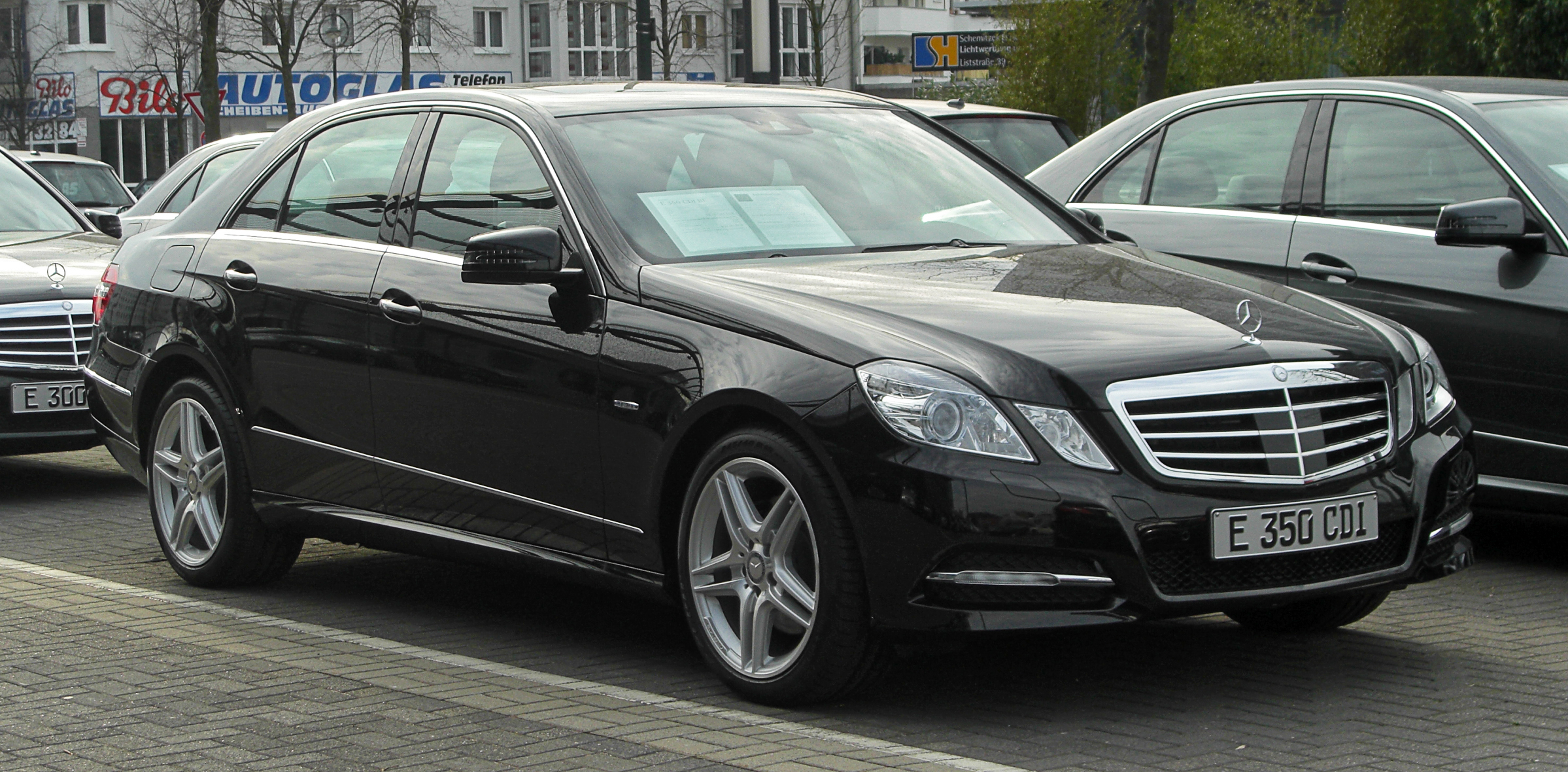 file mercedes benz e 350 cdi blueefficiency avantgarde w 212 frontansicht 12 m rz 2011. Black Bedroom Furniture Sets. Home Design Ideas