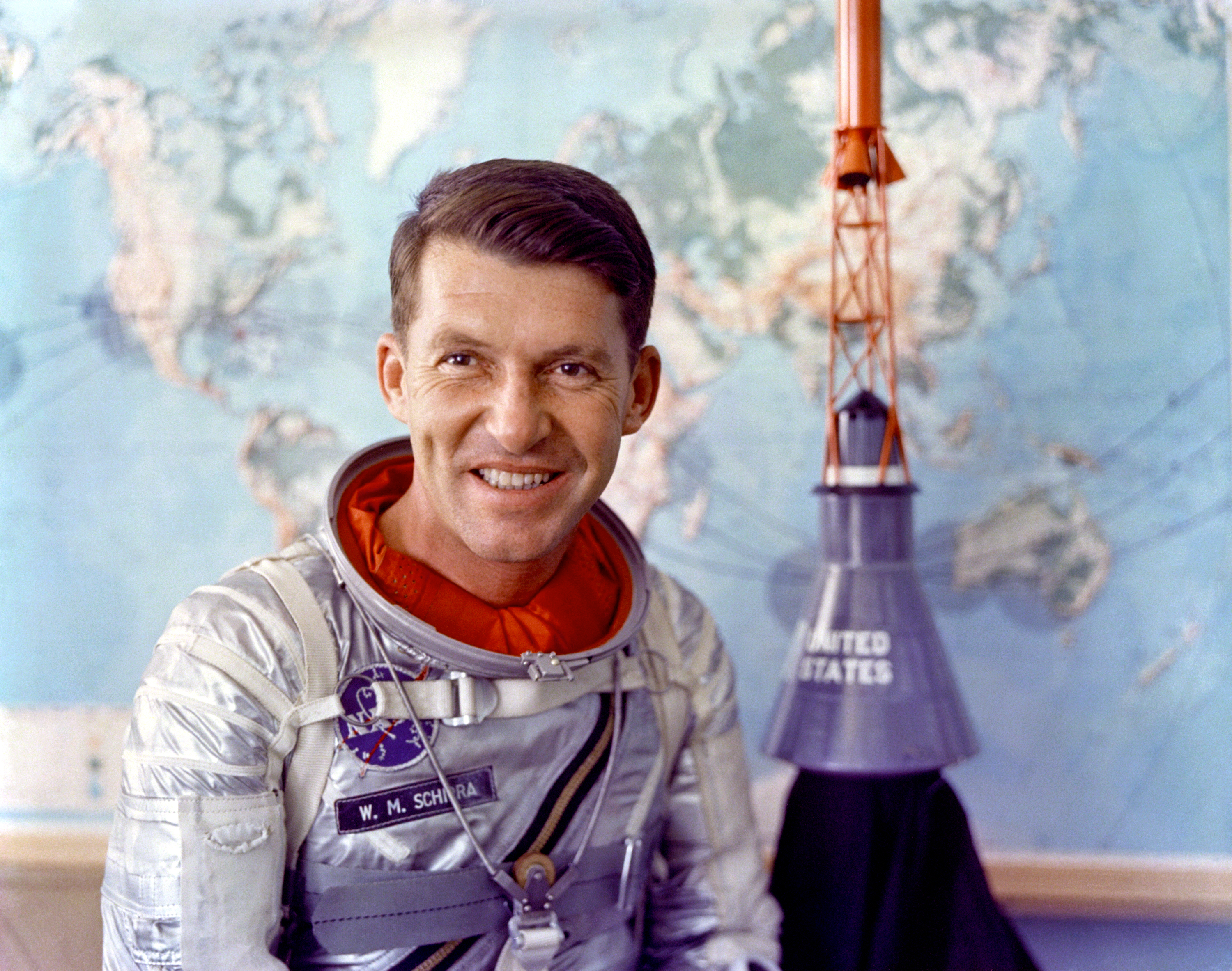 Image of Wally Schirra from Wikidata