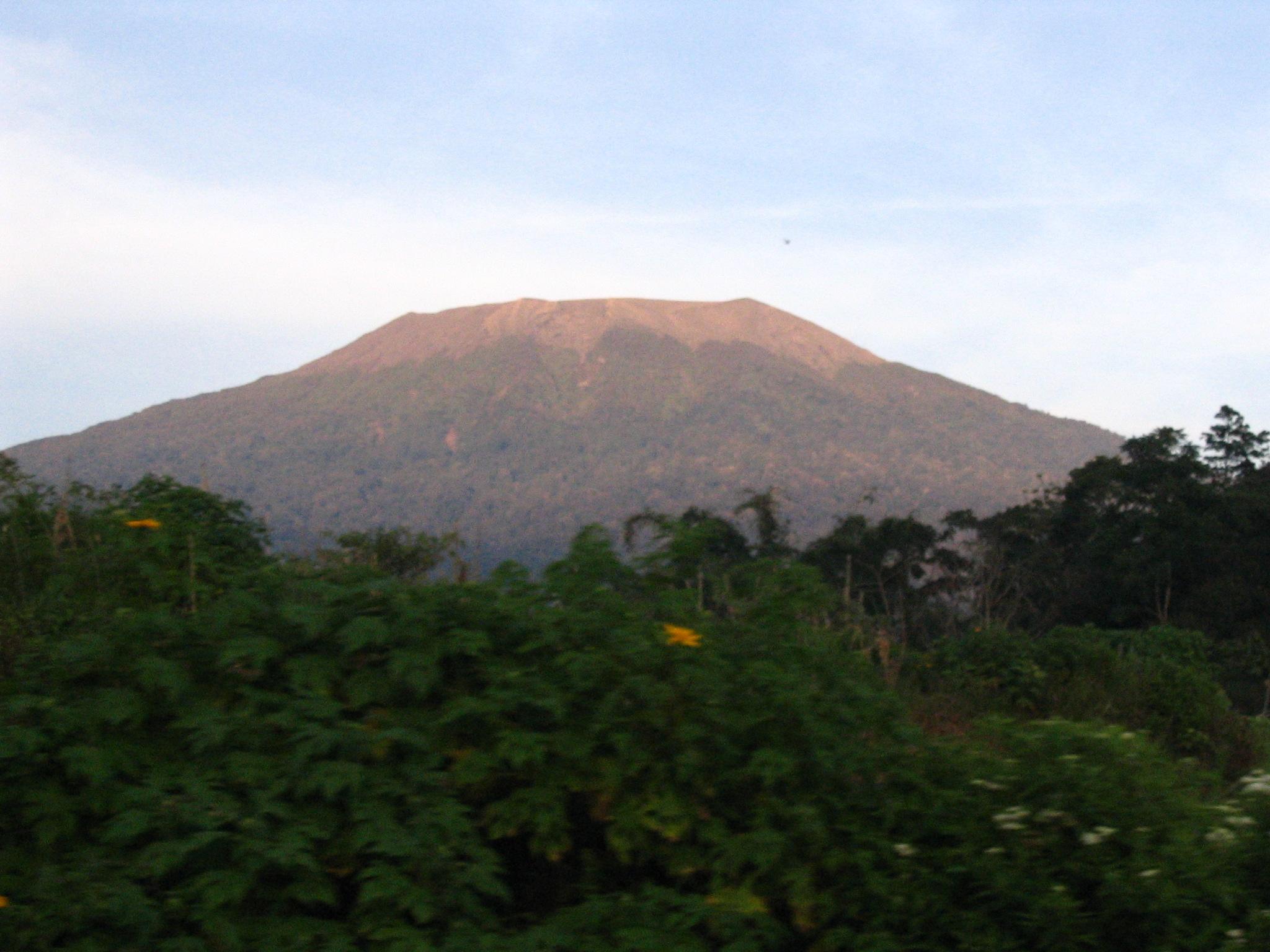 Nama - Nama Gunung Di Sumatera Barat