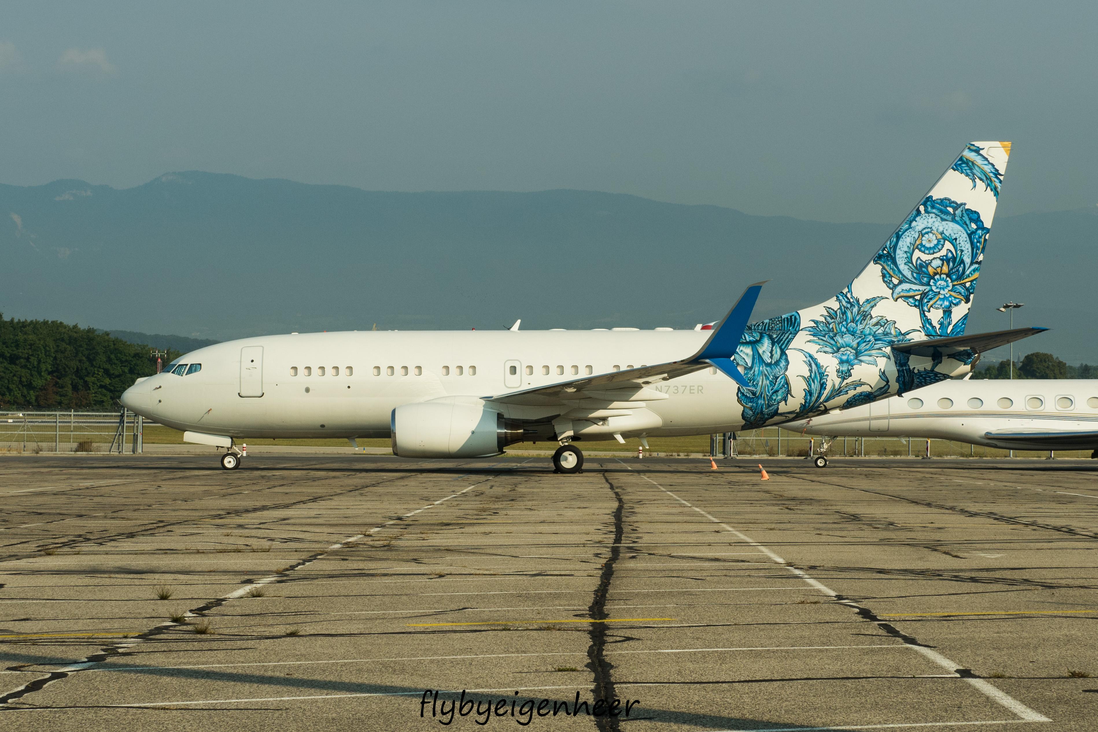 N737ER_Boeing_B737-7CJ-W_BBJ_B737_-_BBJO