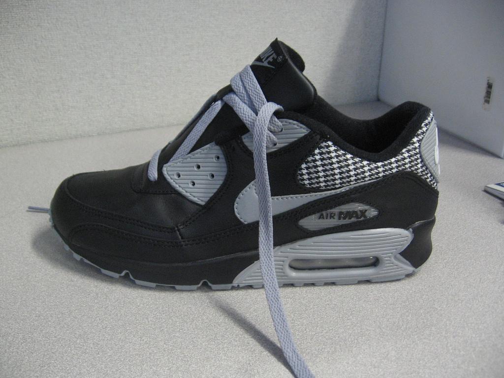 File:Nike Air Max (94994097).jpg