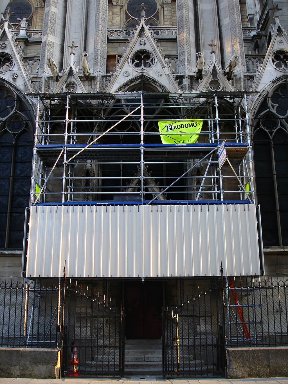 Filenotre Dame De Paris Porte Rouge Restaurationjpg Wikimedia
