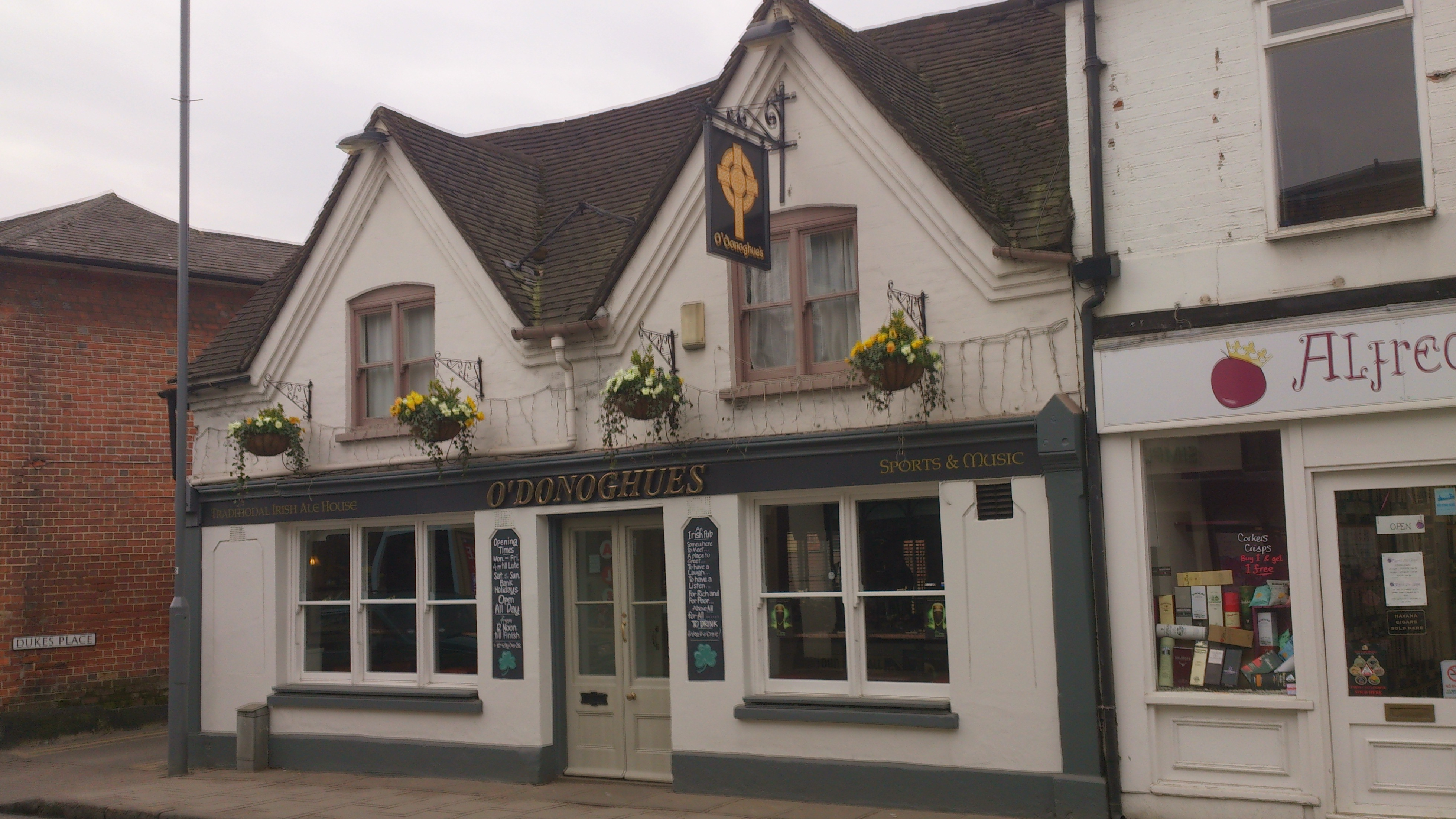 File:O'Donoghue's Irish Bar, Spittal Street, Marlow, Mar ...