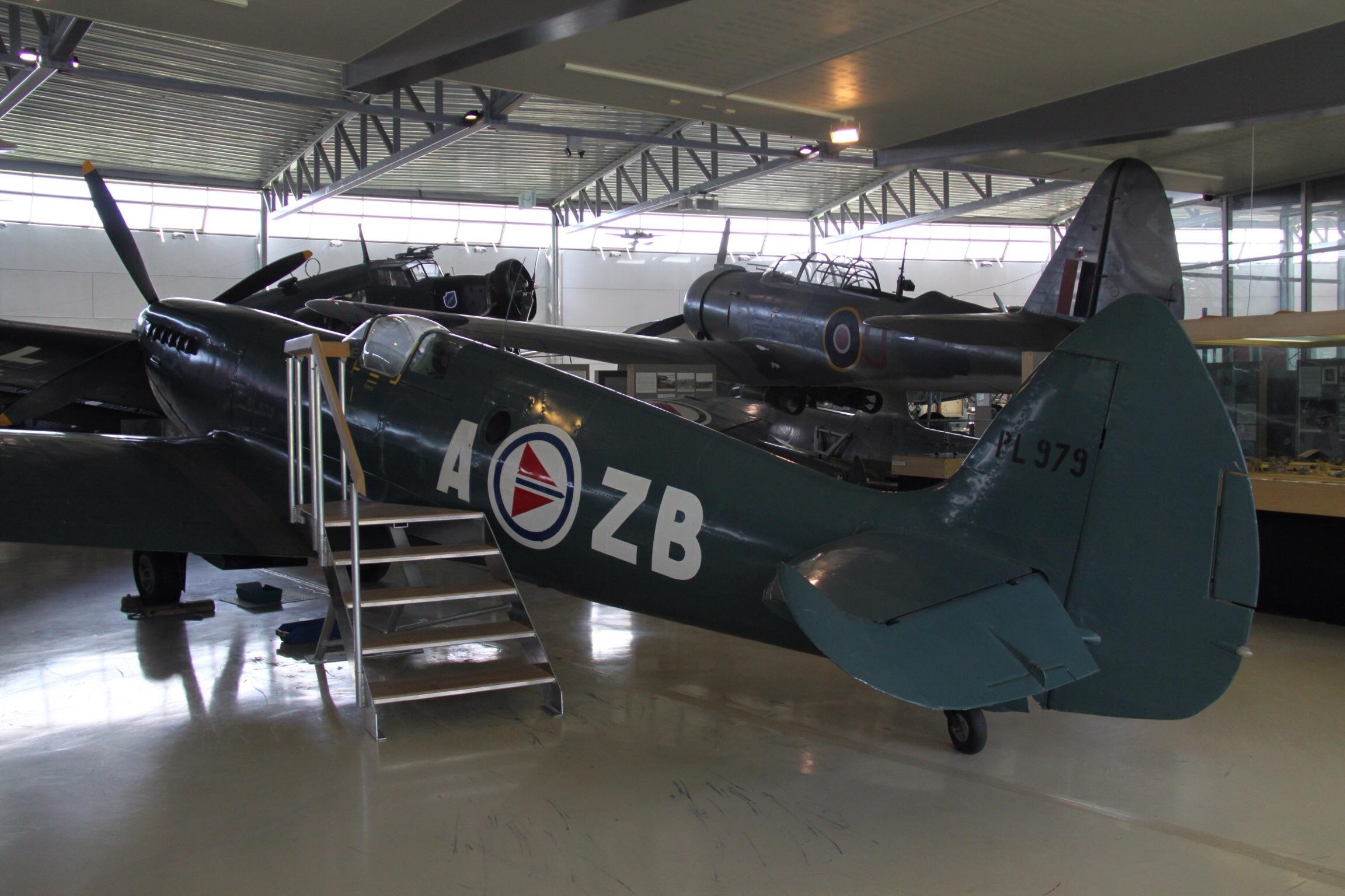PL979_Supermarine_Spitfire_PR_XI_Royal_N