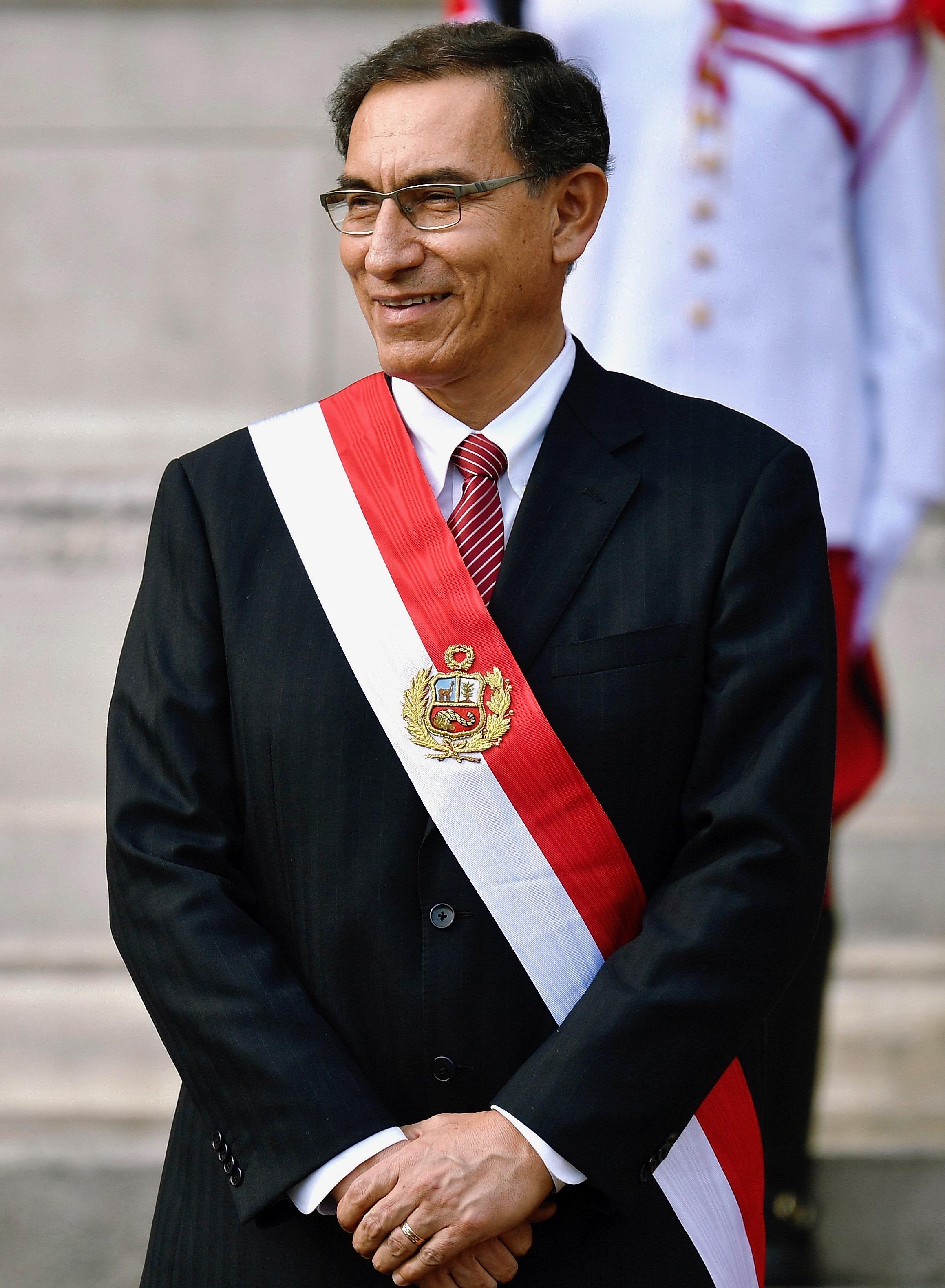 Resultado de imagem para Martín Vizcarra