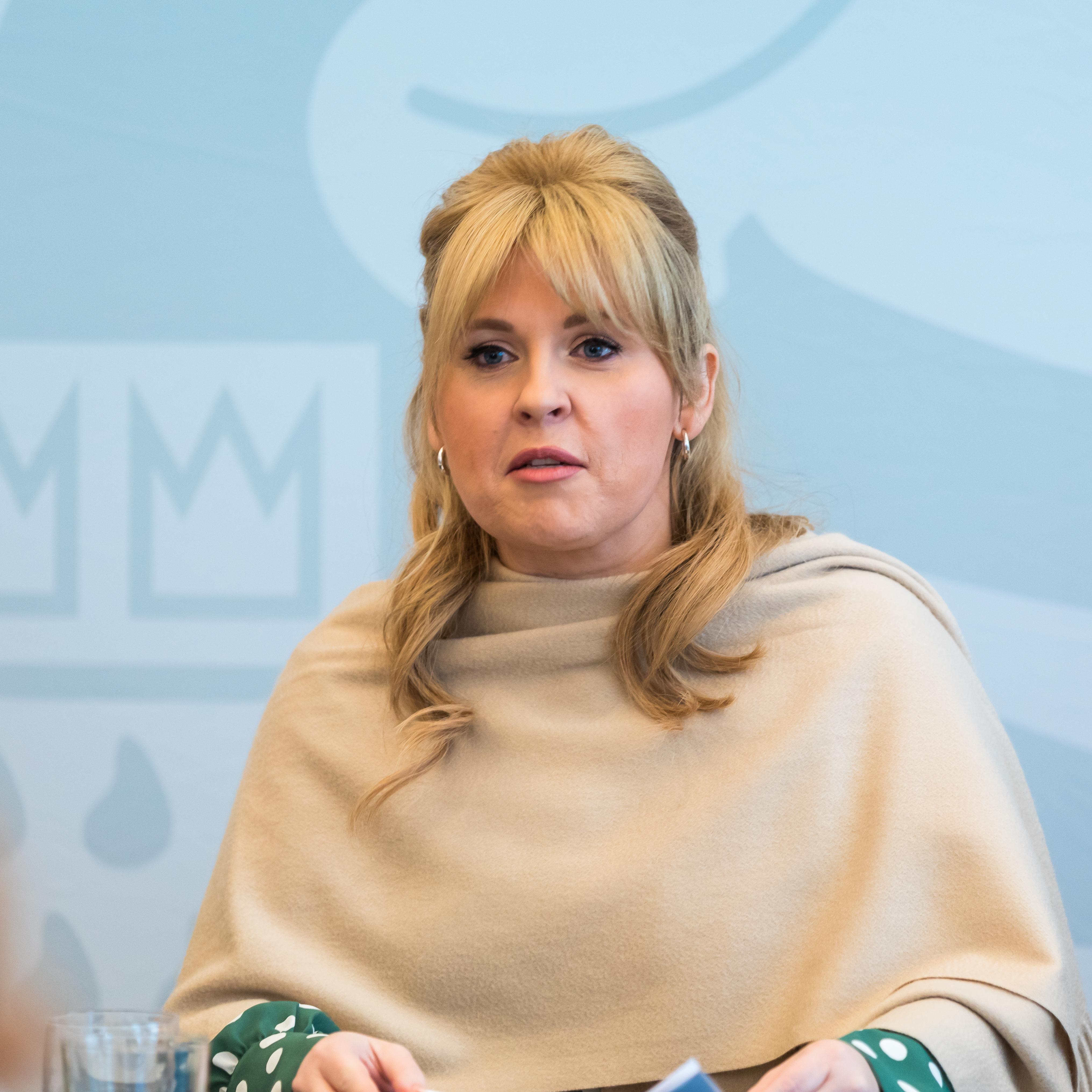 Nackt Maite Kelly  Bauer sucht