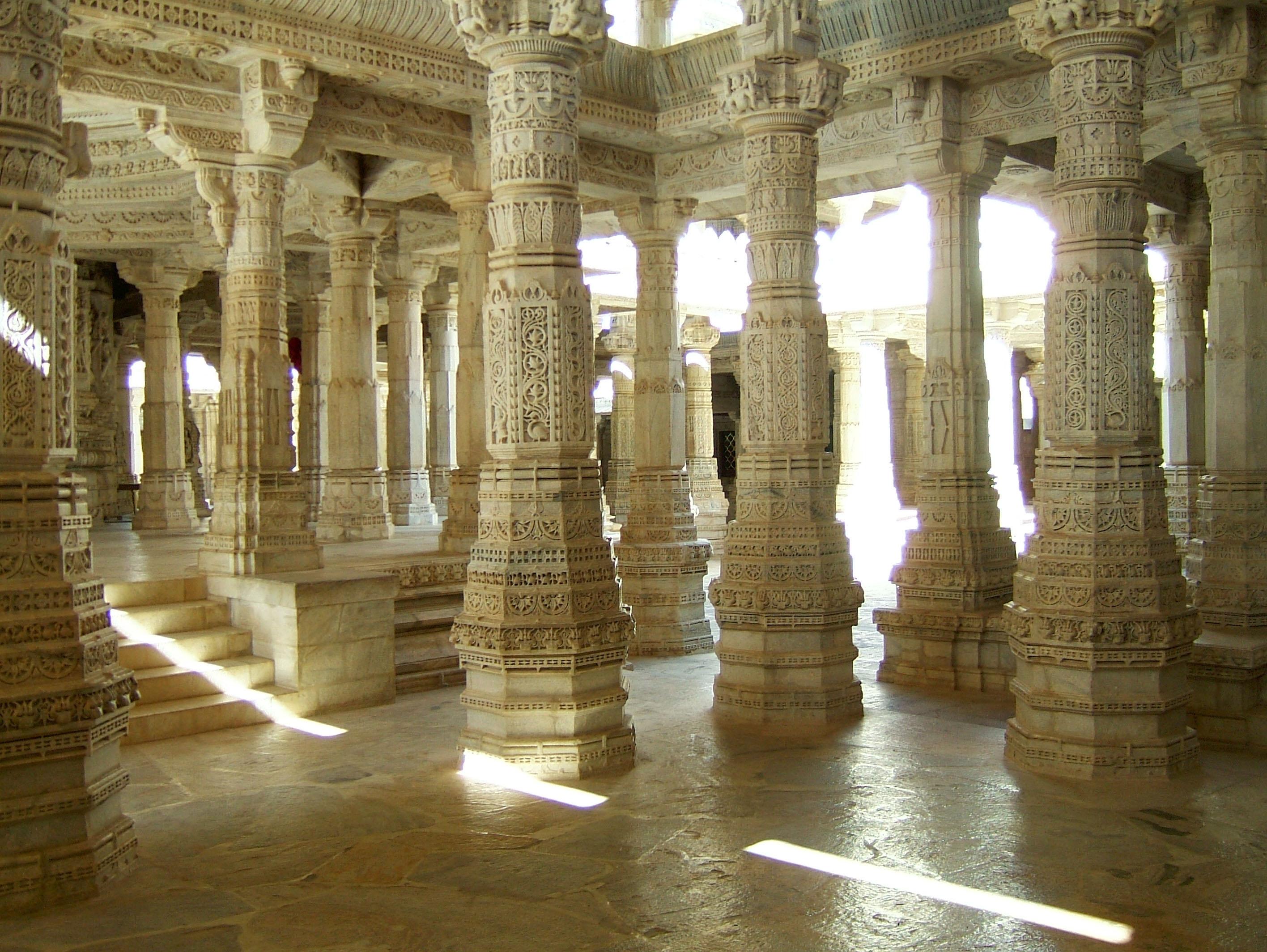 Ranakpur India  City pictures : Description Ranakpur Jain Marble Temple pillars Frescoes Apr 2004 02 ...