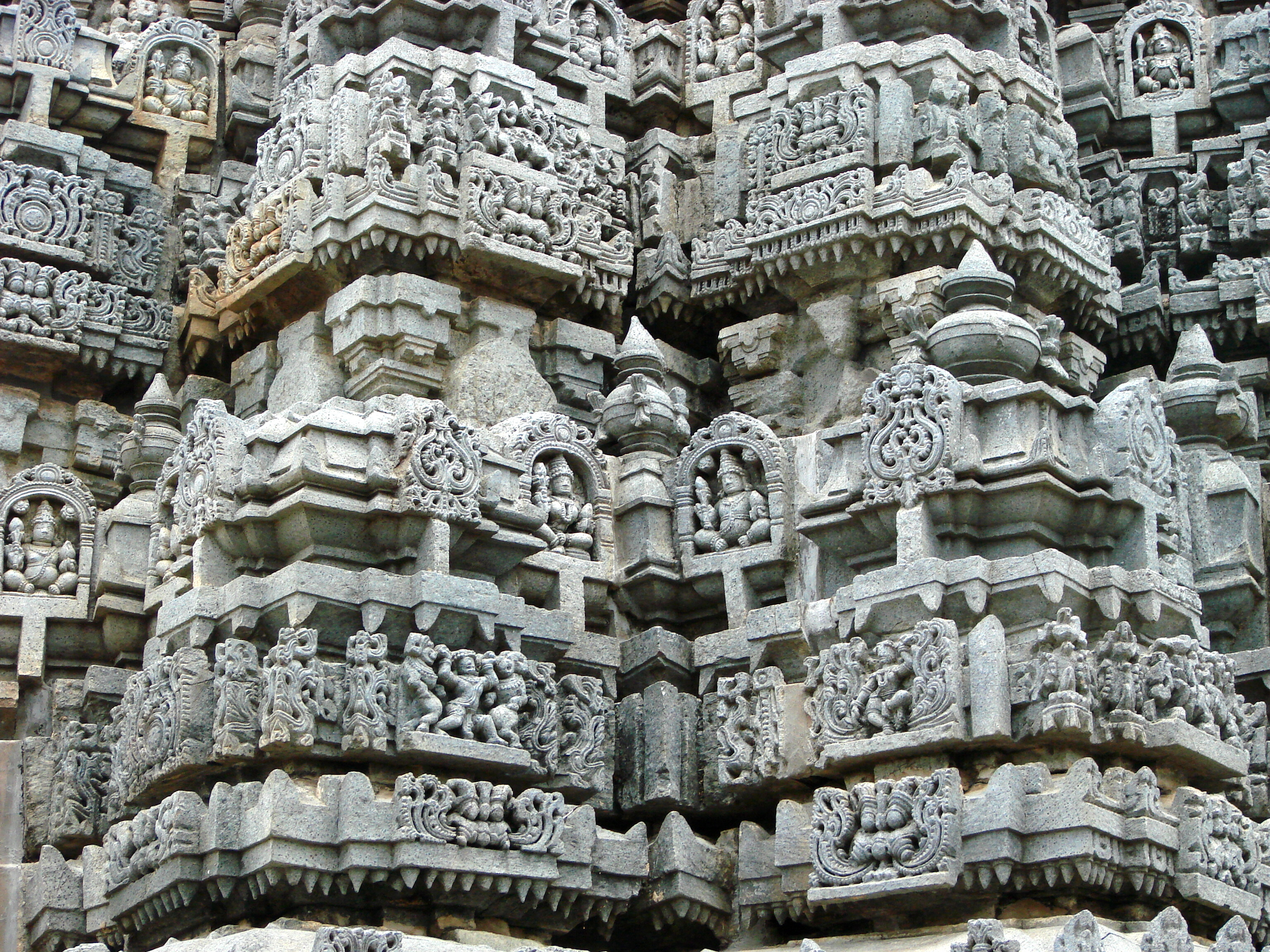 Index additionally File Relief carvings on vesara tower over shrine in Chennakeshava temple at Somanathapura near Mysore  India further Showcase also Carving A Tudor Rose Introduction also Battle Of The Roses Carving A Flower. on relief stone carving