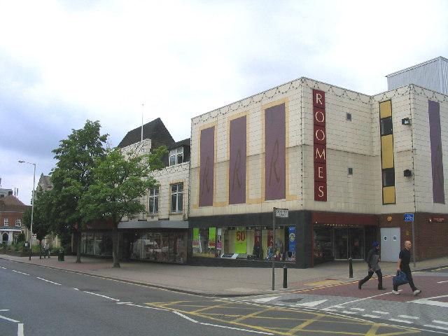File:Roomes Store, Upminster, Essex - geograph.org.uk - 22623.jpg