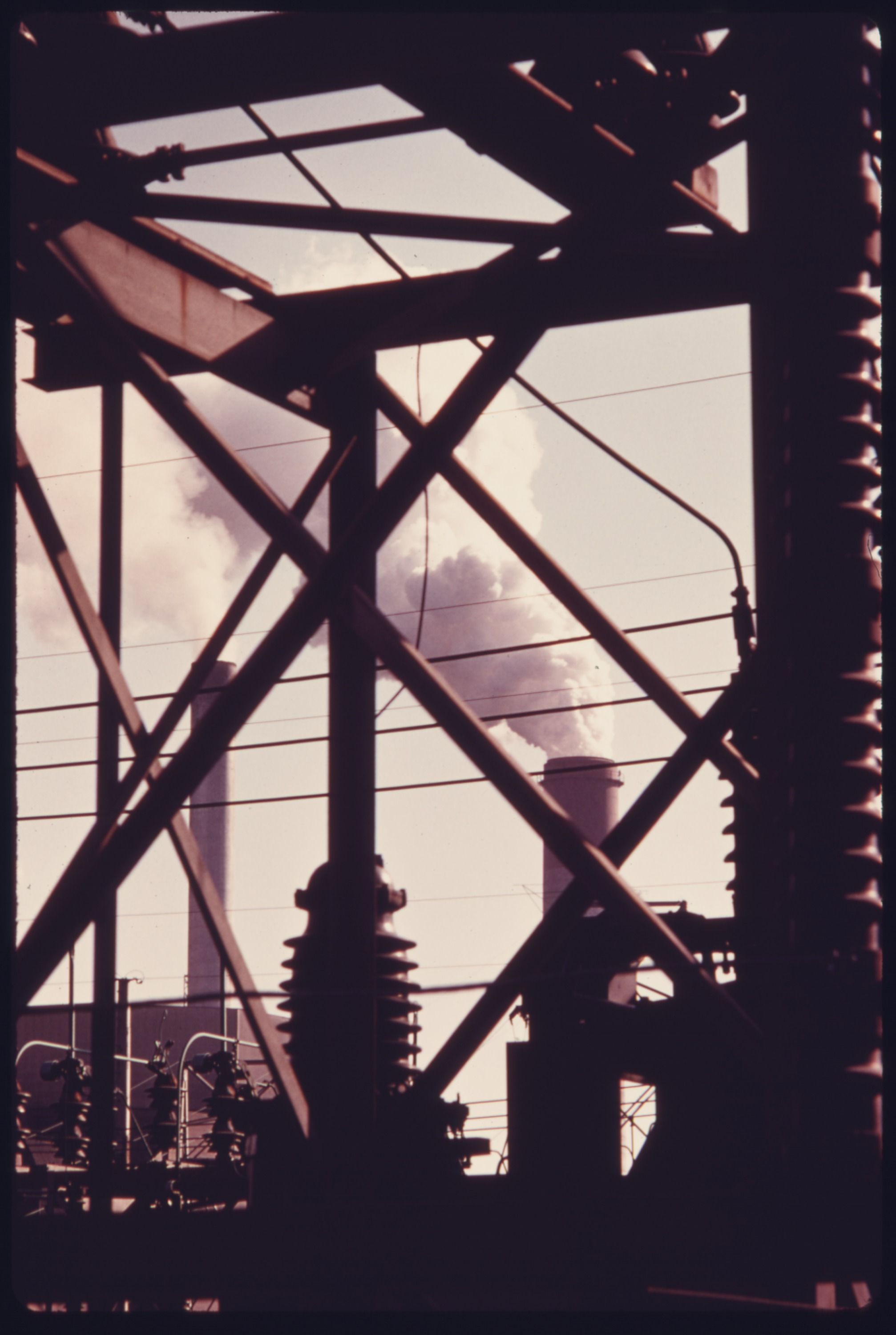 File:SMOKE FROM STACKS AT THE PHILLIPS POWER STATION OWNED BY THE DUQUESNE  LIGHT COMPANY