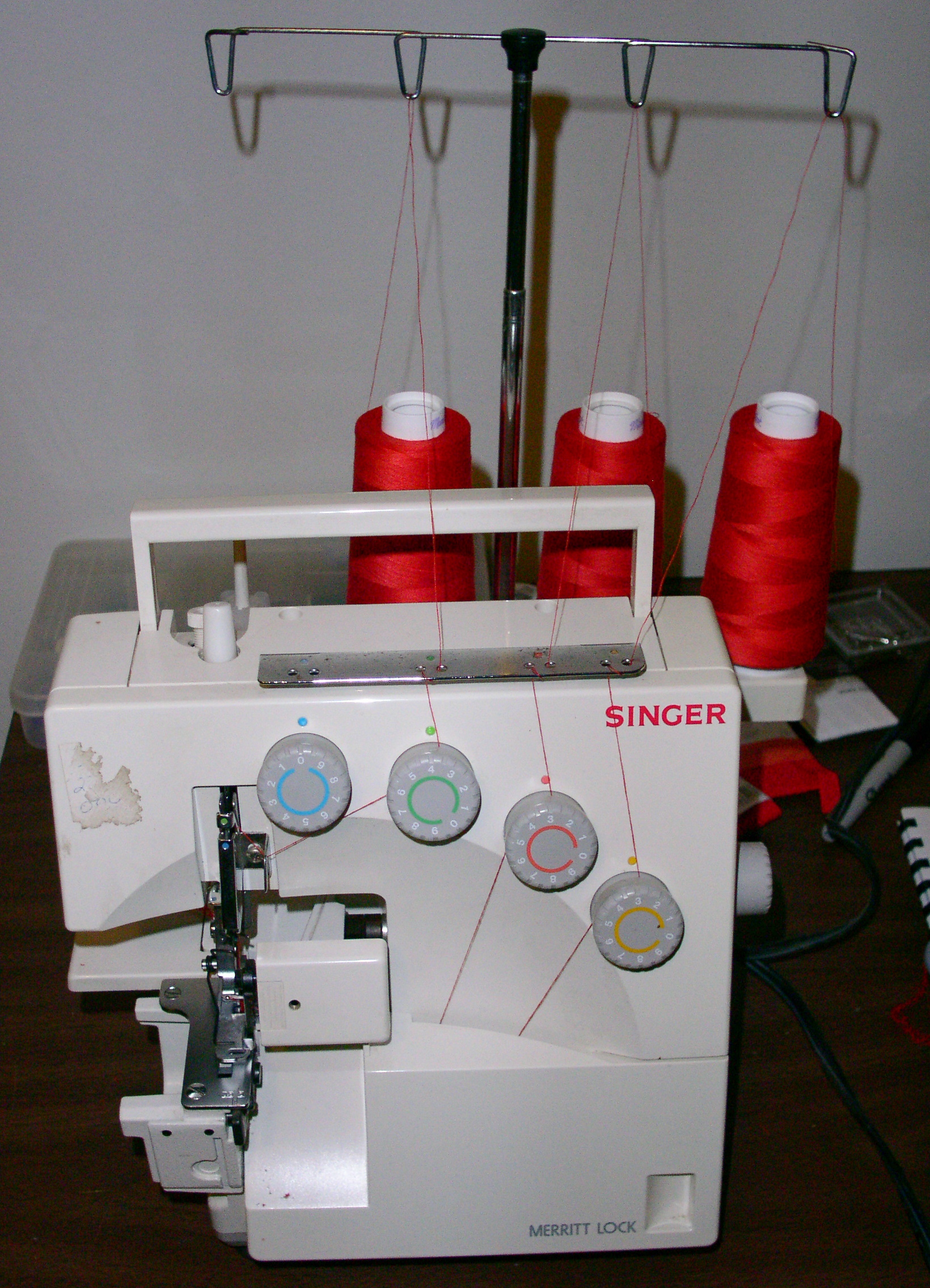 what is an overlock sewing machine