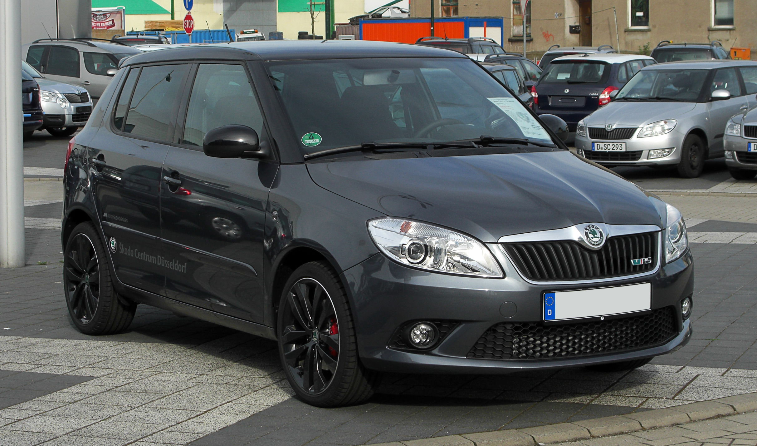 file skoda fabia 1 4 tsi dsg rs ii facelift frontansicht 2 april 2011 d. Black Bedroom Furniture Sets. Home Design Ideas