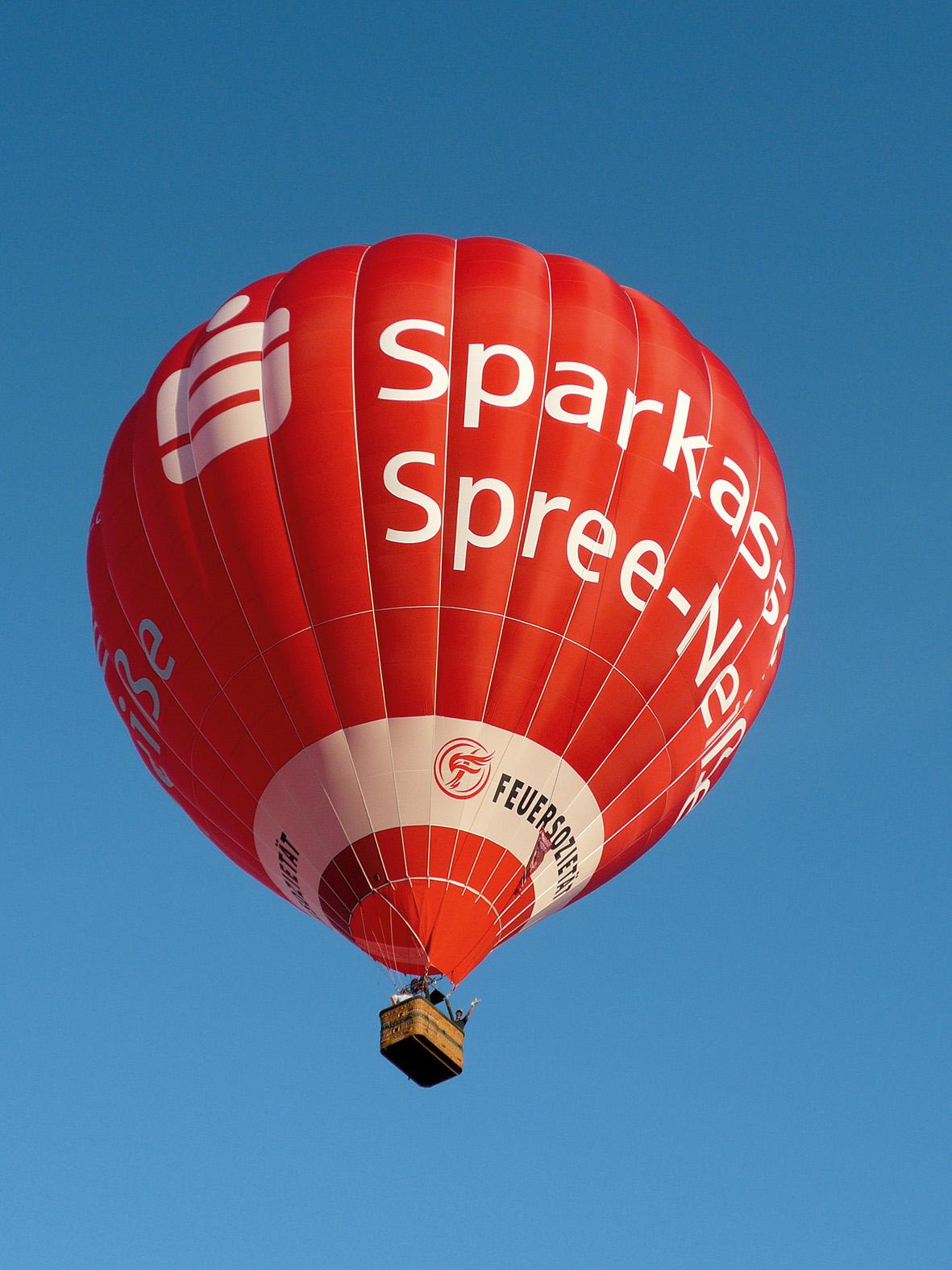 Datei:Sparkassenballon über Cottbus.jpg – Wikipedia