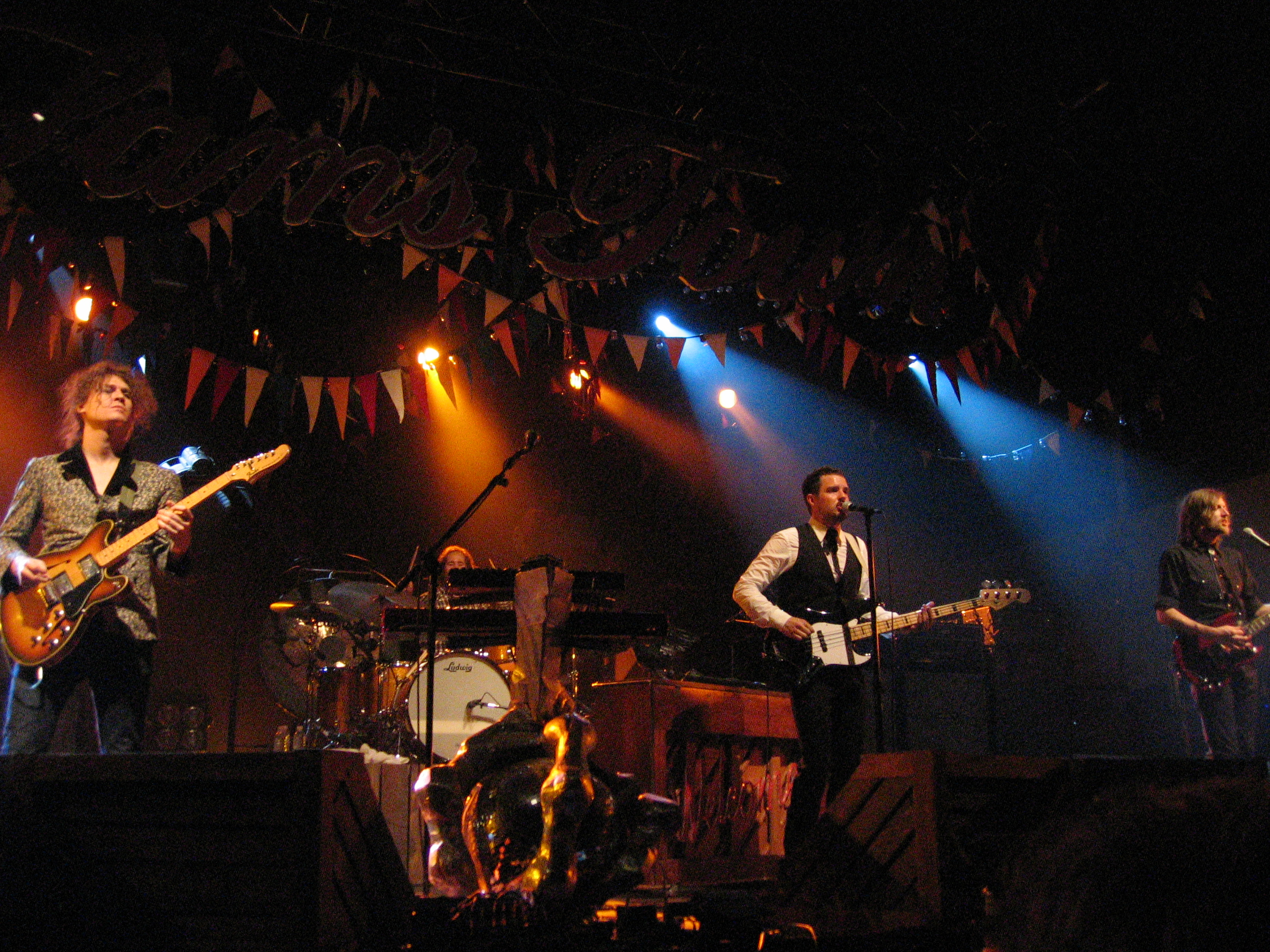 File:The Killers in concert.jpg - Wikimedia Commons
